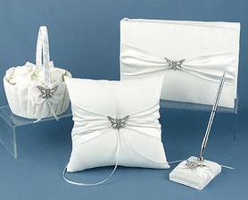 košík pre družičku na lupienky,vankúš na obrúčky,podpisové pero,fotoalbum alebo kniha hostí