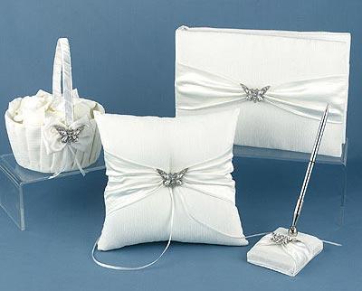 Svadba inšpirovaná krásou motýľov - košík pre družičku na lupienky,vankúš na obrúčky,podpisové pero,fotoalbum alebo kniha hostí