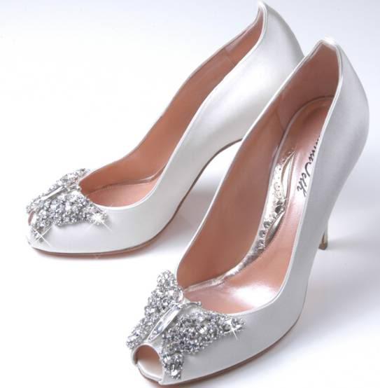 Svadba inšpirovaná krásou motýľov - svadobné topánky
