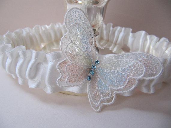 Svadba inšpirovaná krásou motýľov - podväzok
