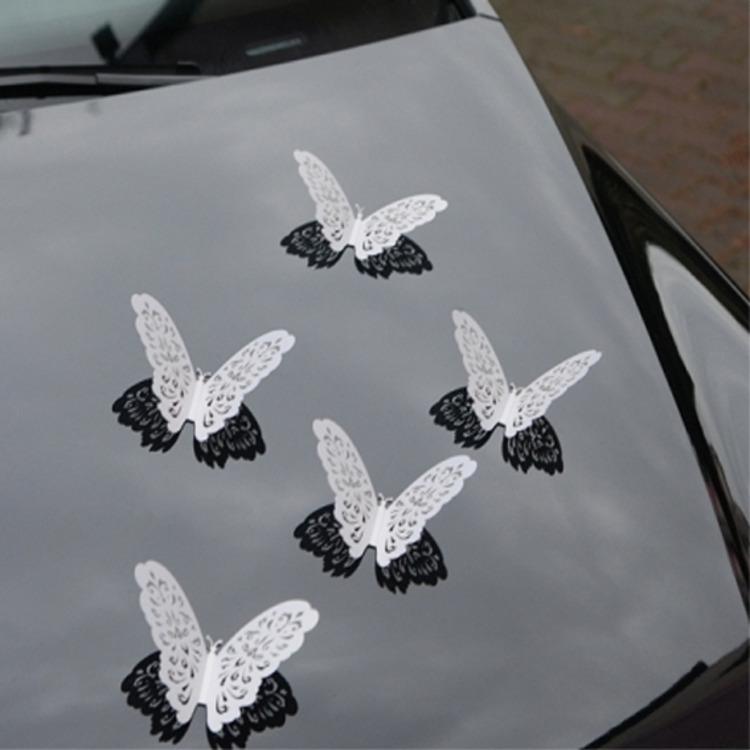 Svadba inšpirovaná krásou motýľov - dekorácia na auto