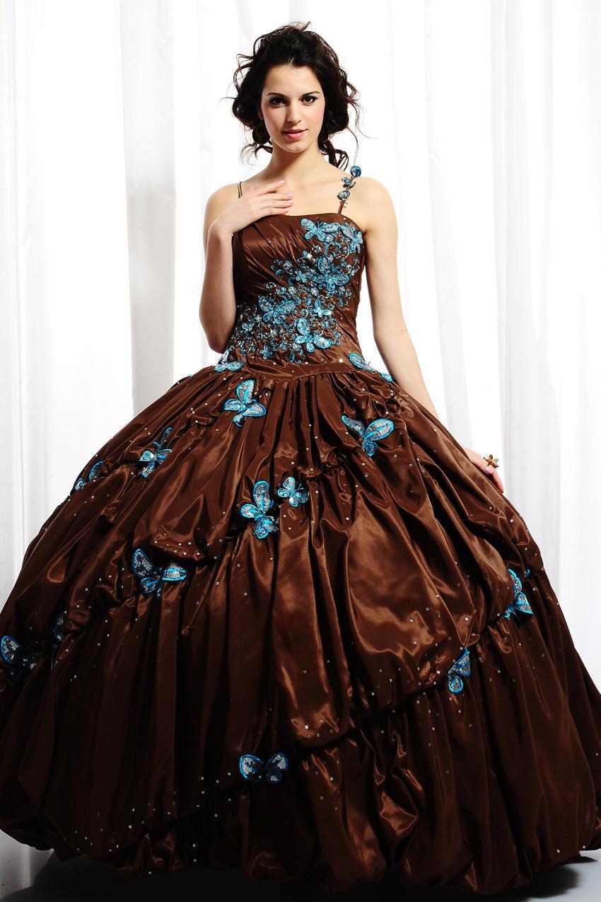 Svadba inšpirovaná krásou motýľov - šaty