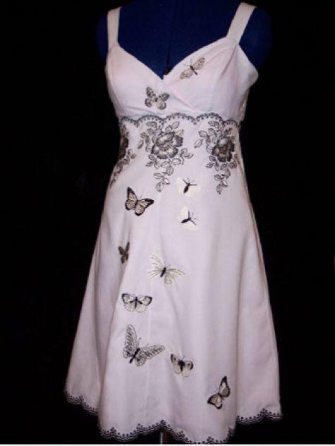 Svadba inšpirovaná krásou motýľov - popolnočné šaty