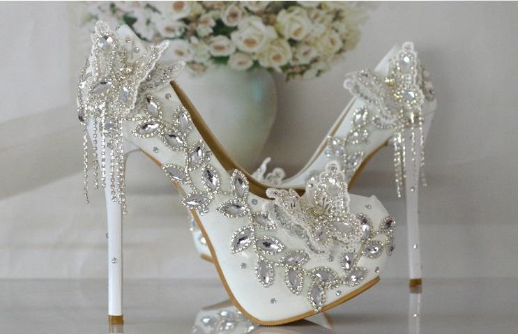 Svadba inšpirovaná krásou motýľov - svadobné  lodičky