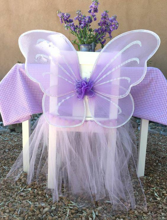 Svadba inšpirovaná krásou motýľov - ozdoba na stoličky