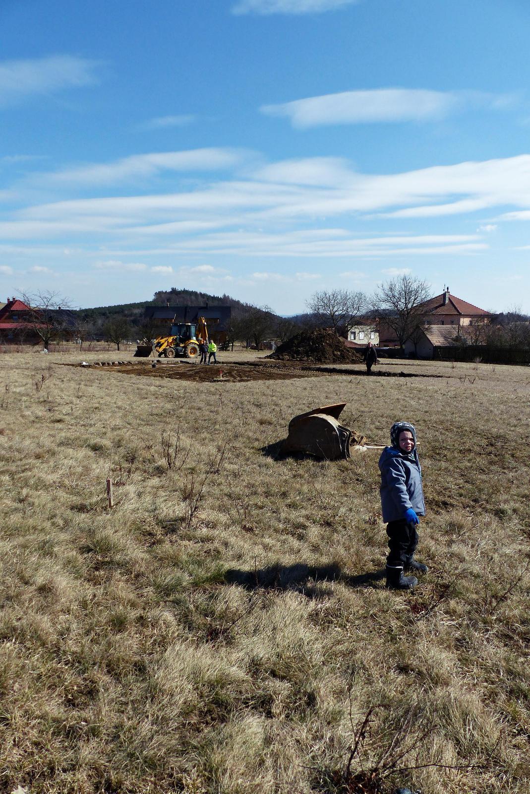 Náš dům na větrné hůrce - Obrázek č. 2