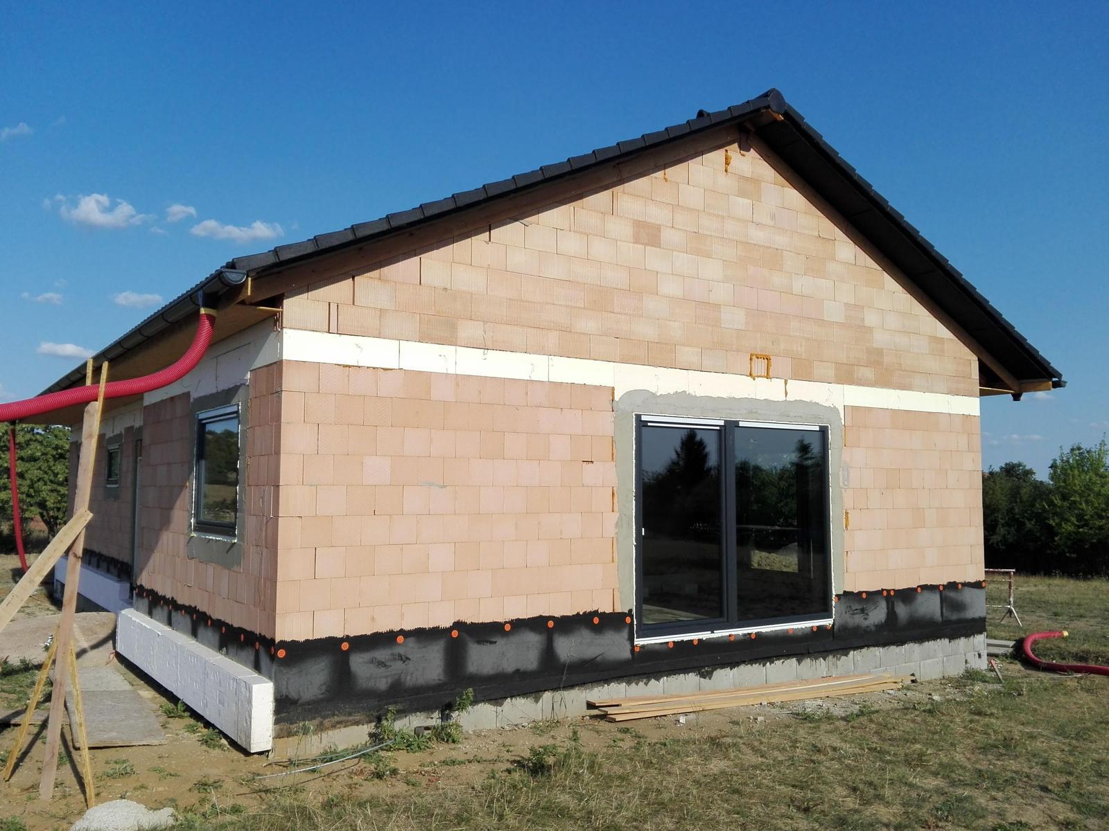 Náš dům na větrné hůrce - Obrázek č. 35
