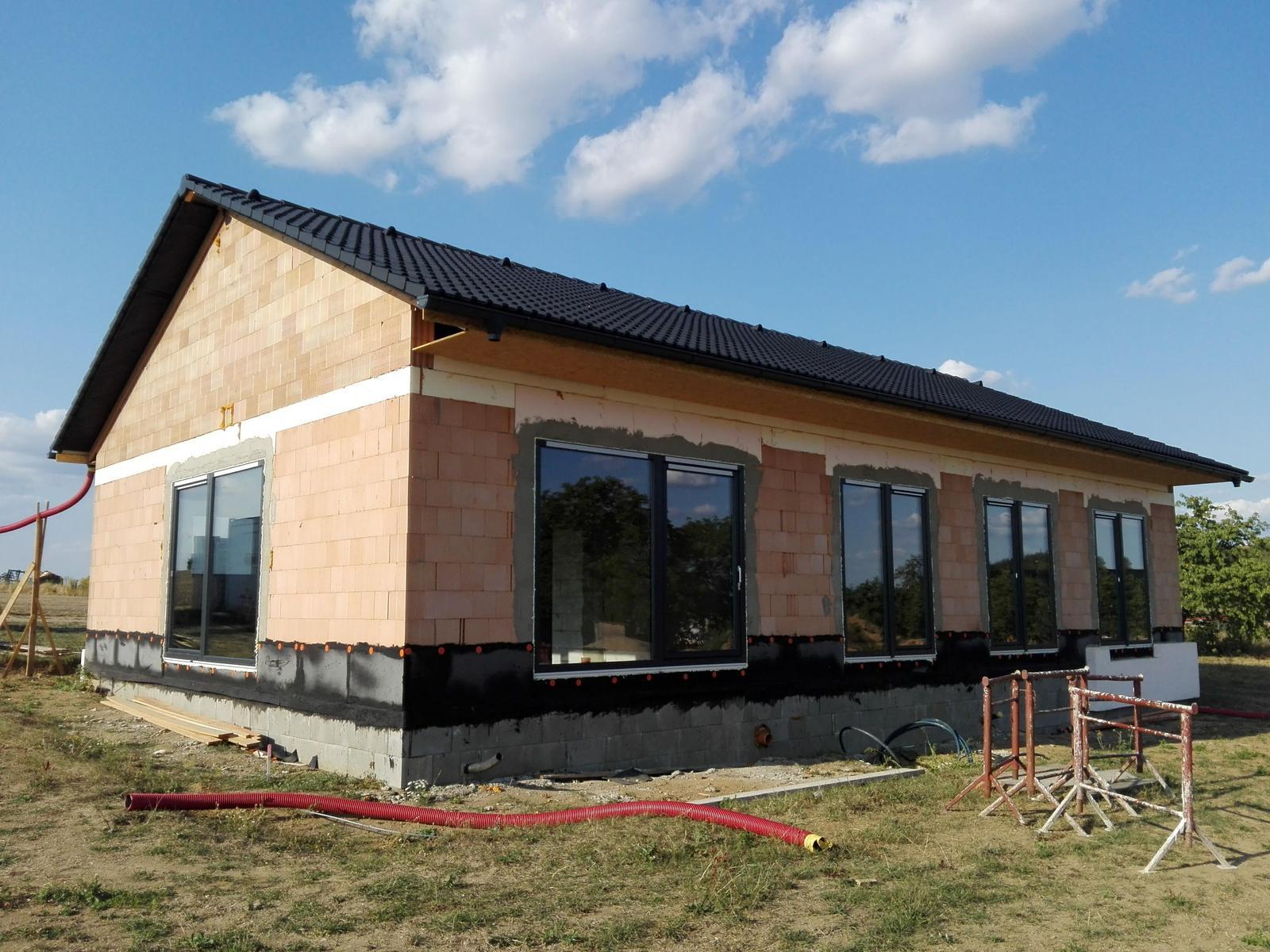 Náš dům na větrné hůrce - Obrázek č. 37