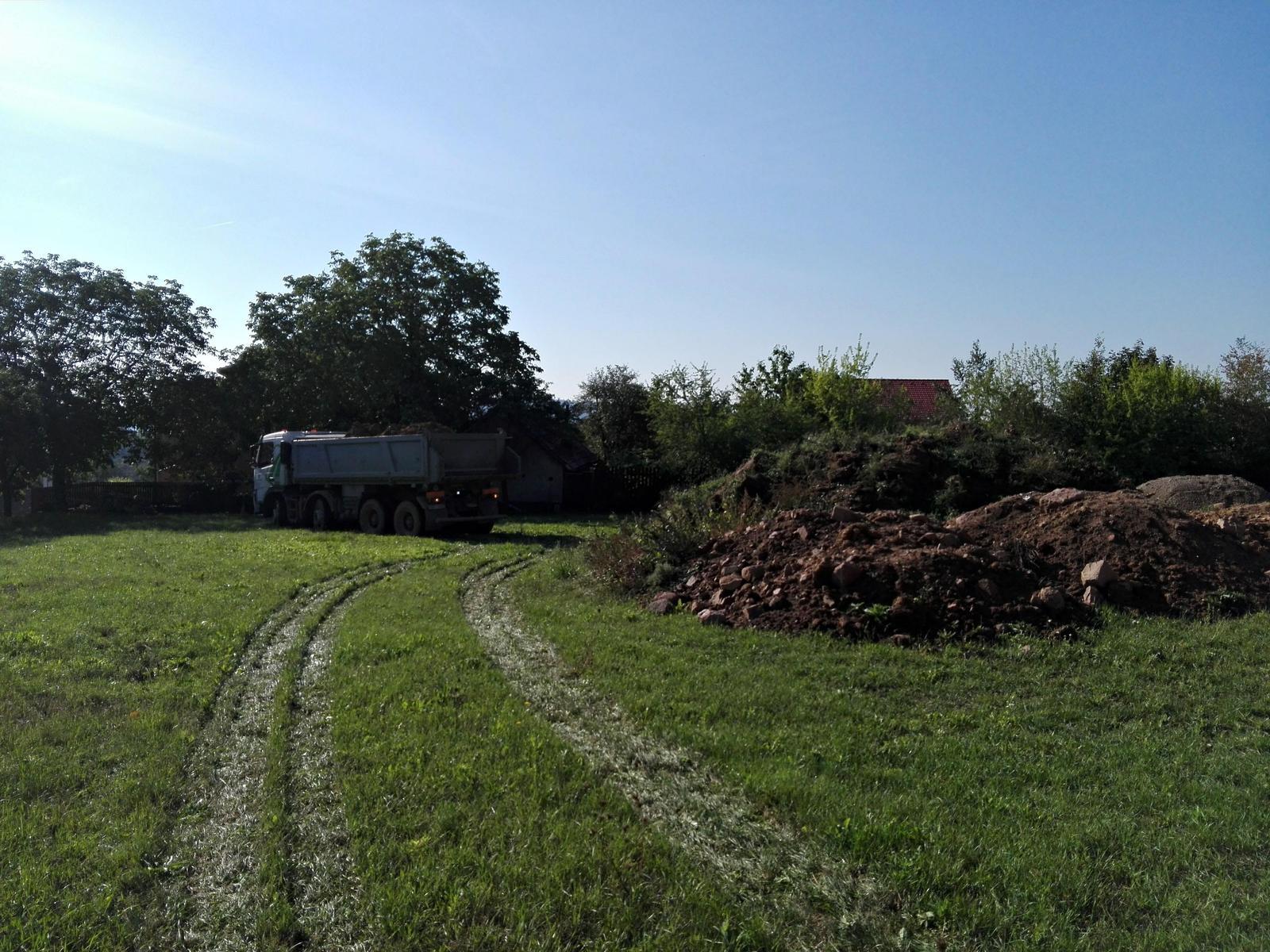 Náš dům na větrné hůrce - Obrázek č. 46