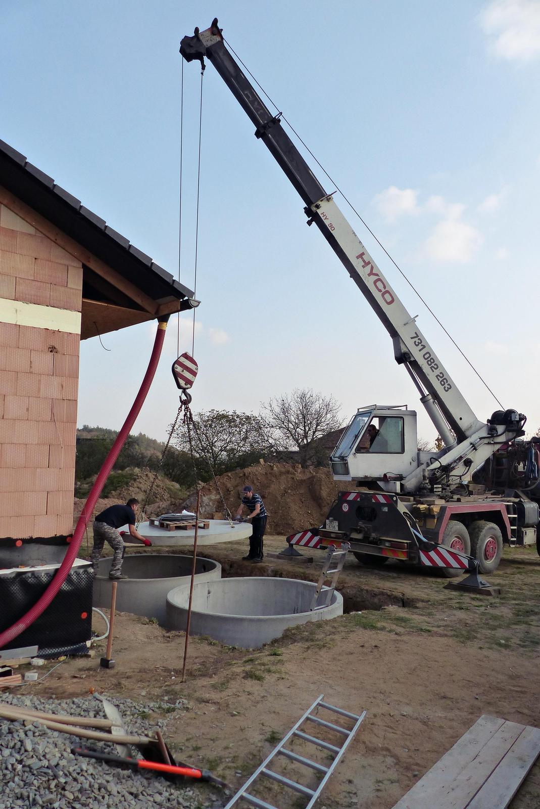 Náš dům na větrné hůrce - Obrázek č. 56