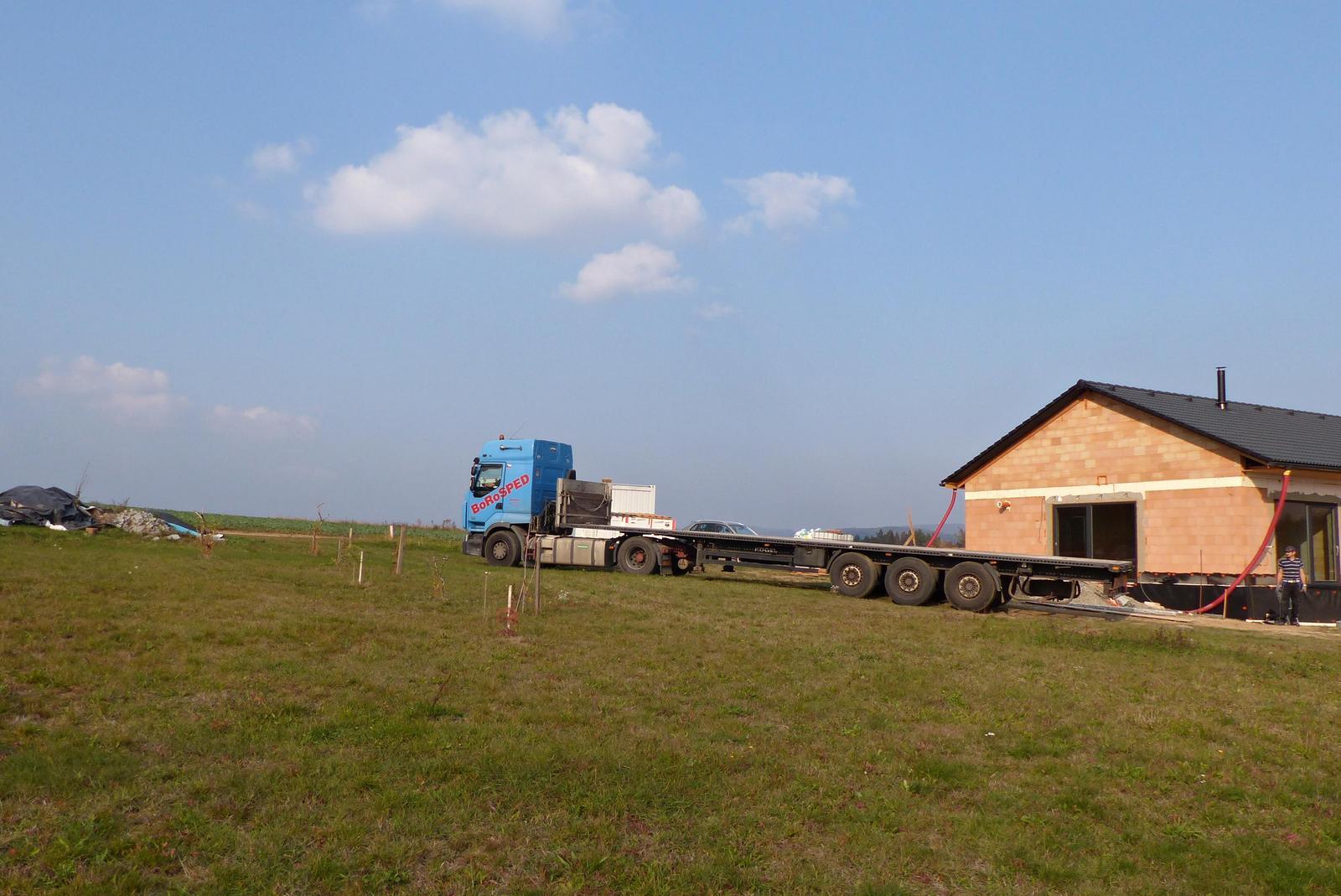 Náš dům na větrné hůrce - Obrázek č. 57