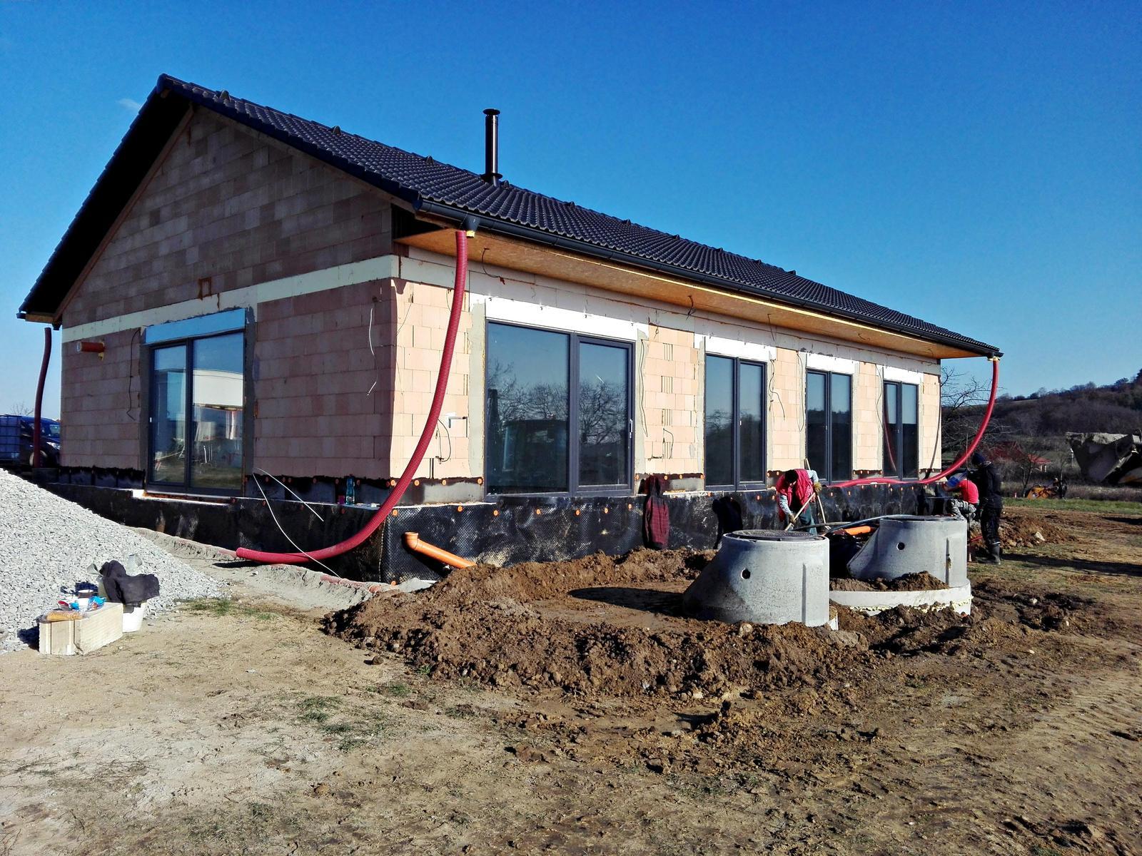 Náš dům na větrné hůrce - Obrázek č. 65