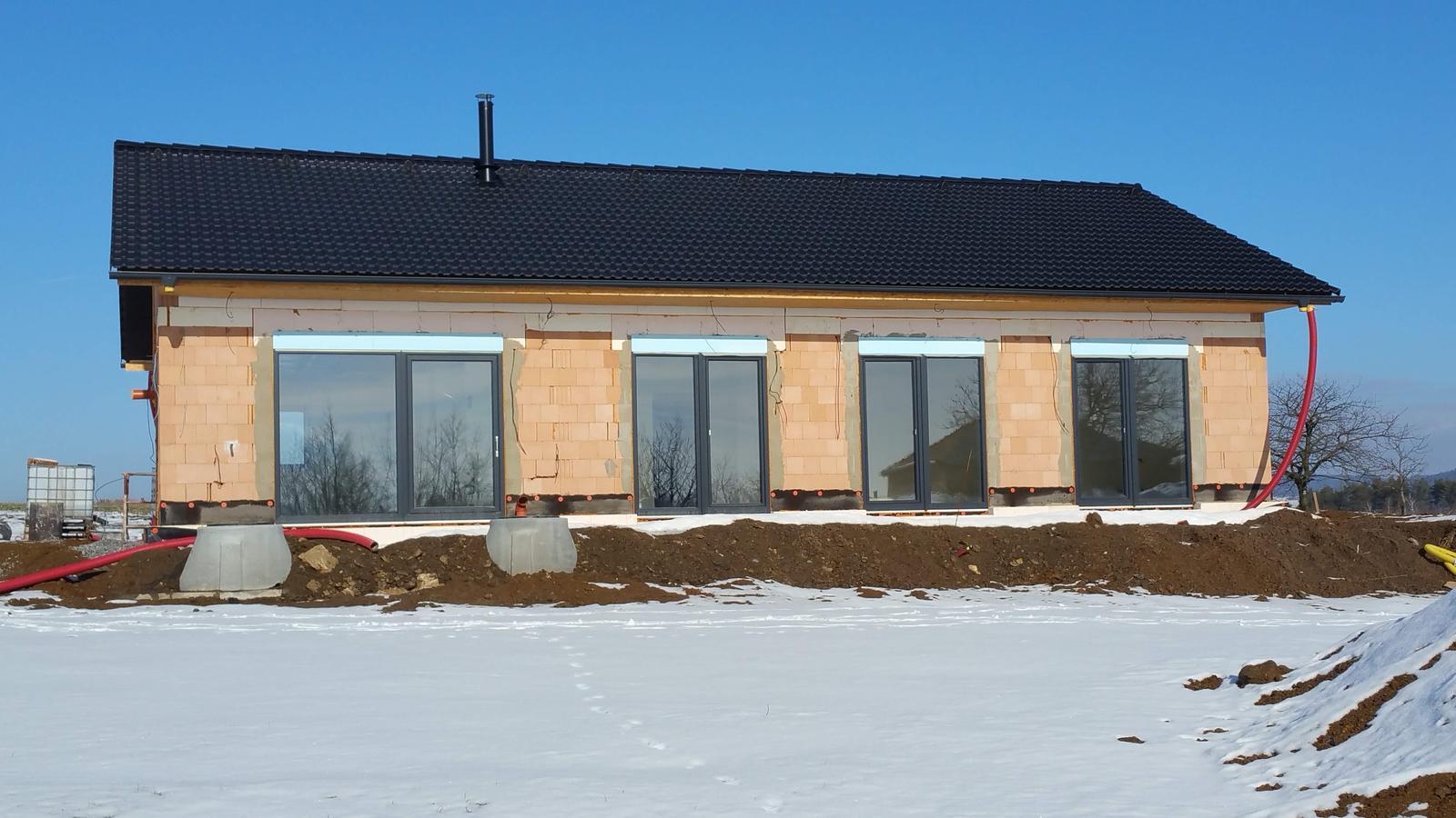 Náš dům na větrné hůrce - Obrázek č. 90