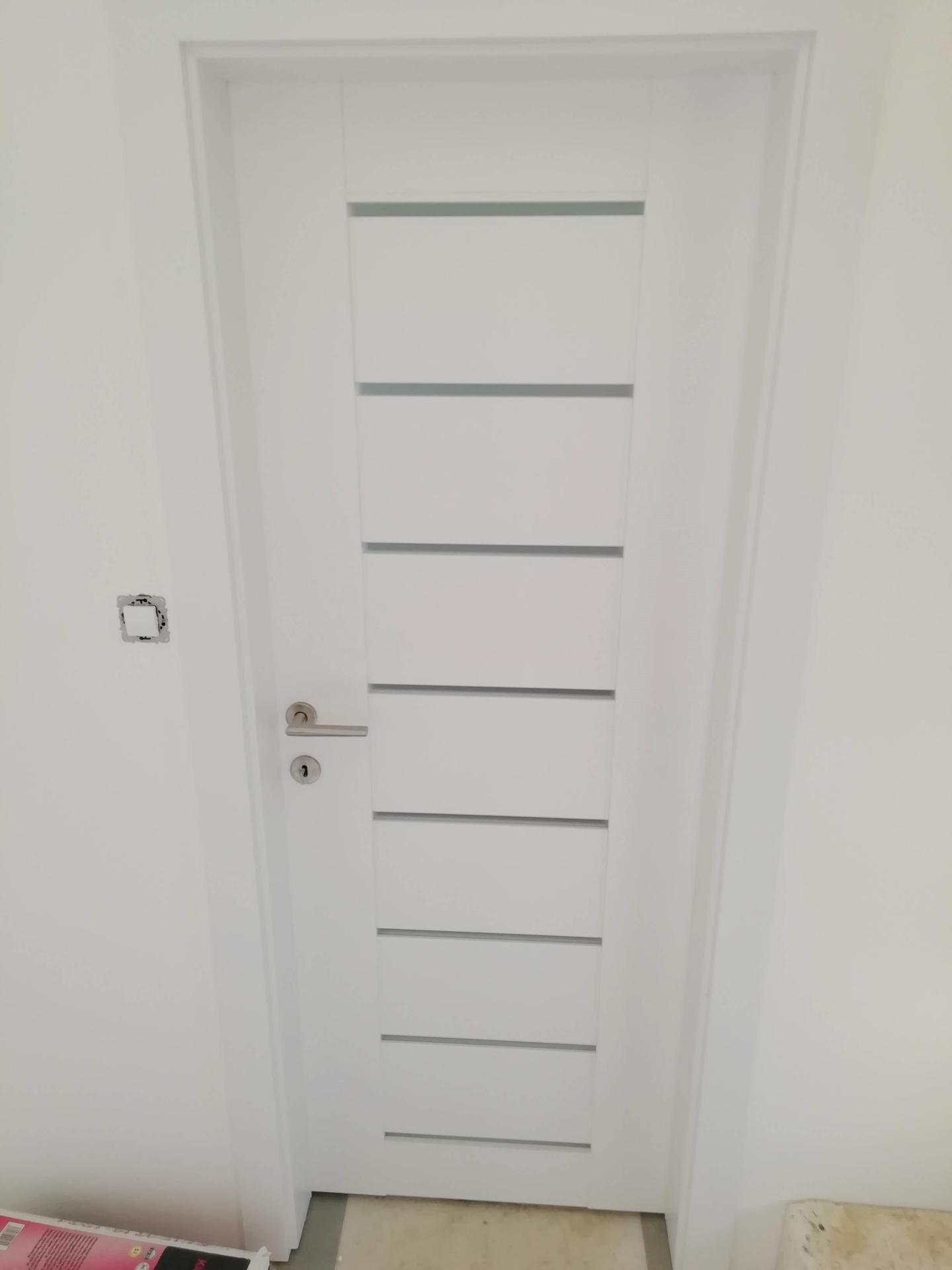 Náš dům na větrné hůrce - A máme i dveře. ABH design Brno.