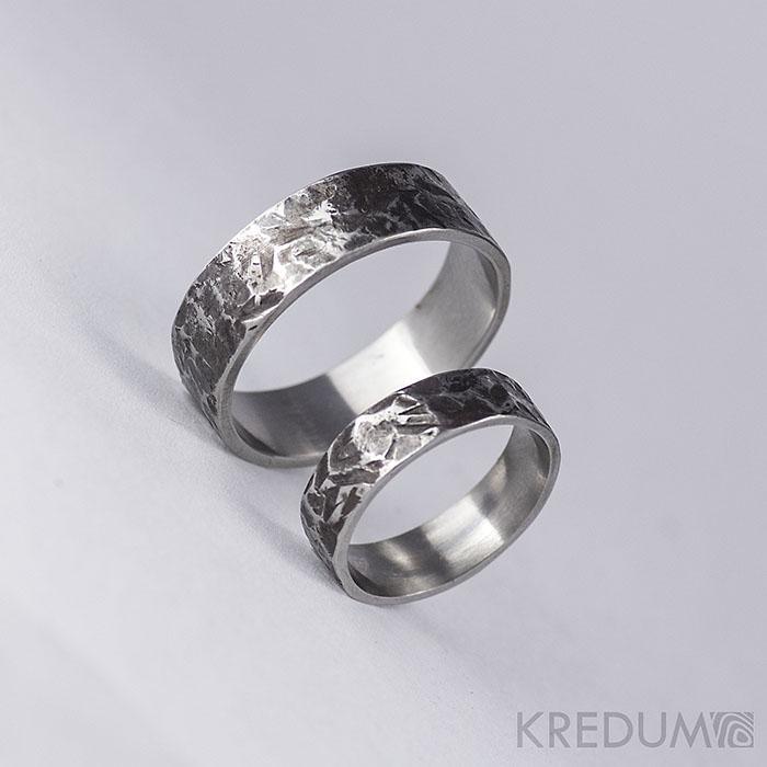 Snubní prsten kovaná nerezová ocel - Archeos - Obrázek č. 3