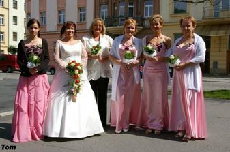 nevěsta, svědkyně a růžová suita :-))))