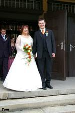 a za znění zvonů vycházejí šťastní manželé Štěpánkovi :-)