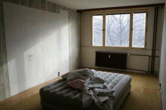 dětský pokoj (pohled od dveří)