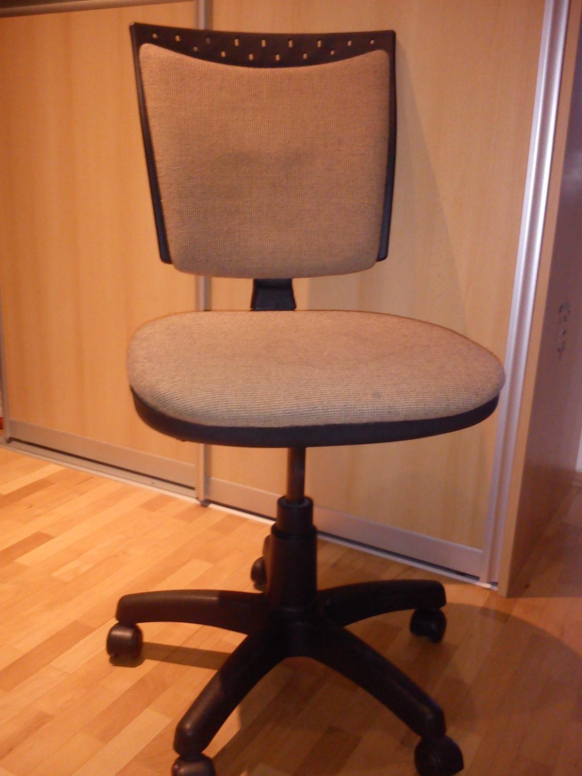 kancelársku stoličku - Obrázok č. 2