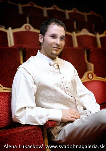 Jana Carnogurska{{_AND_}}Jozef Javorka - no herecka si teda dobra