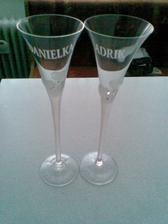 naše poháriky s menami