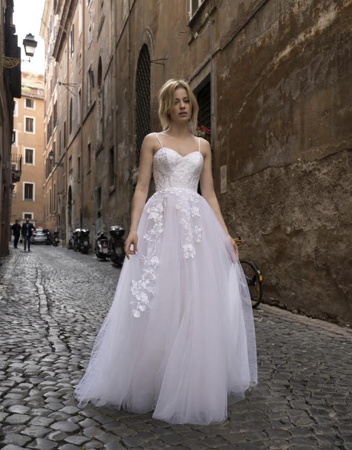 Nové ľahulinké svadobné šaty, veľkosť 38-40 - Obrázok č. 1