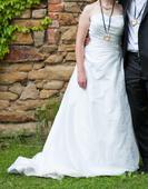 Svatební šaty s vlečkou (vel. 38 - 40), 40