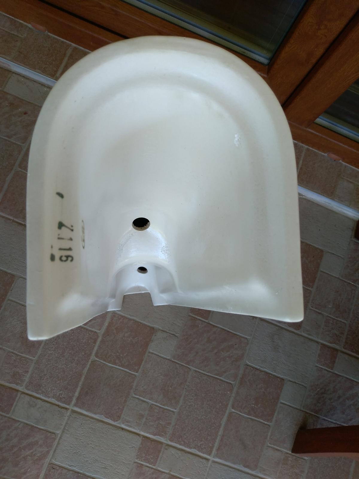 Stĺpy pod umývadlo - keramické nohy - Obrázok č. 3