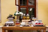 Foto: Lenka Košická. Realizácia: http://castel.sk/cakes-sweets/