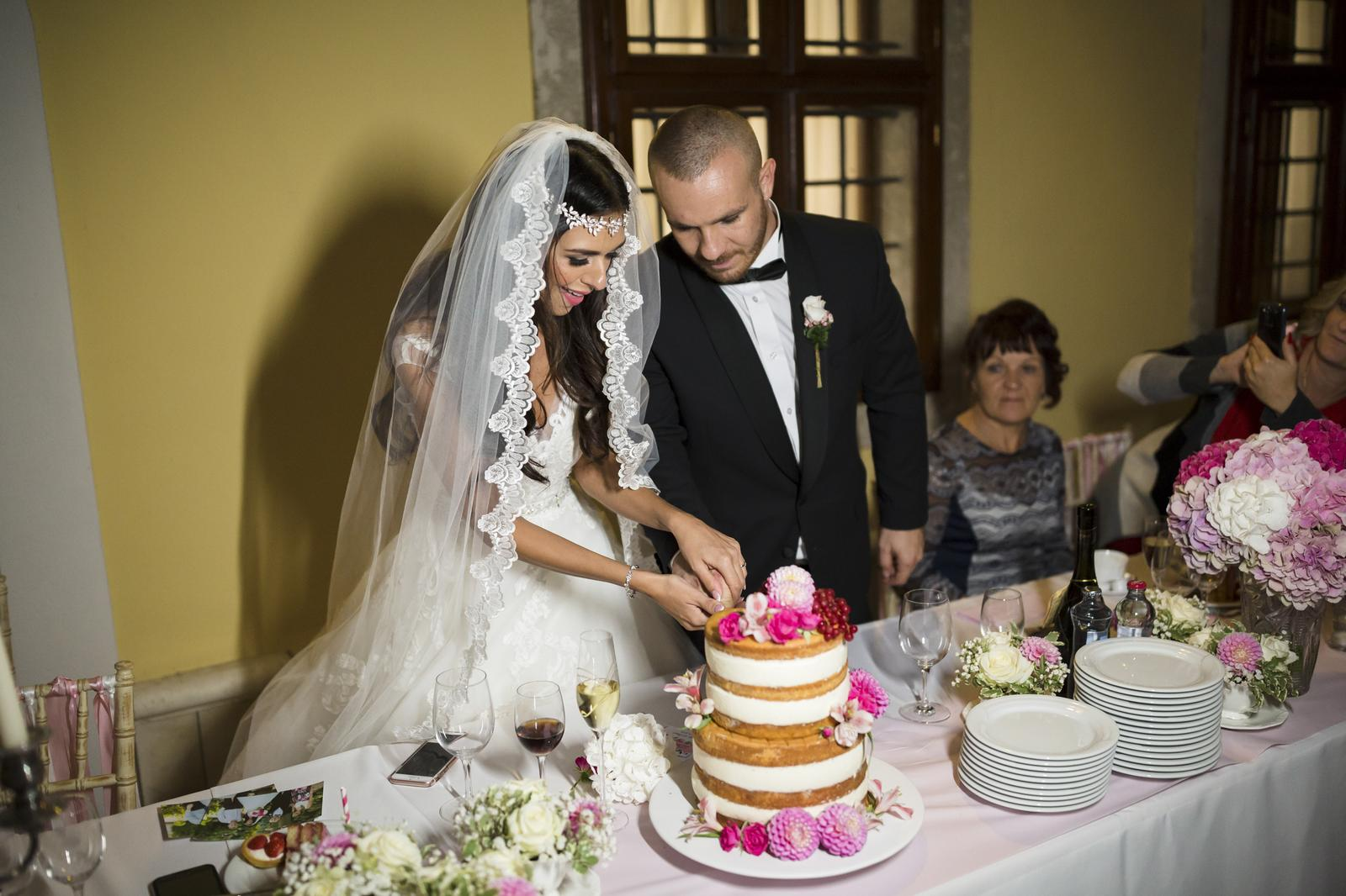 Svadobné torty - Foto: www.bubiphoto.sk/. Realizácia: http://castel.sk