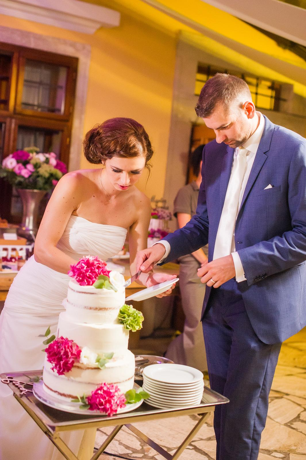 Svadobné torty - Foto: http://www.fotozuzana.sk/. Realizácia: www.castelmierovo.sk