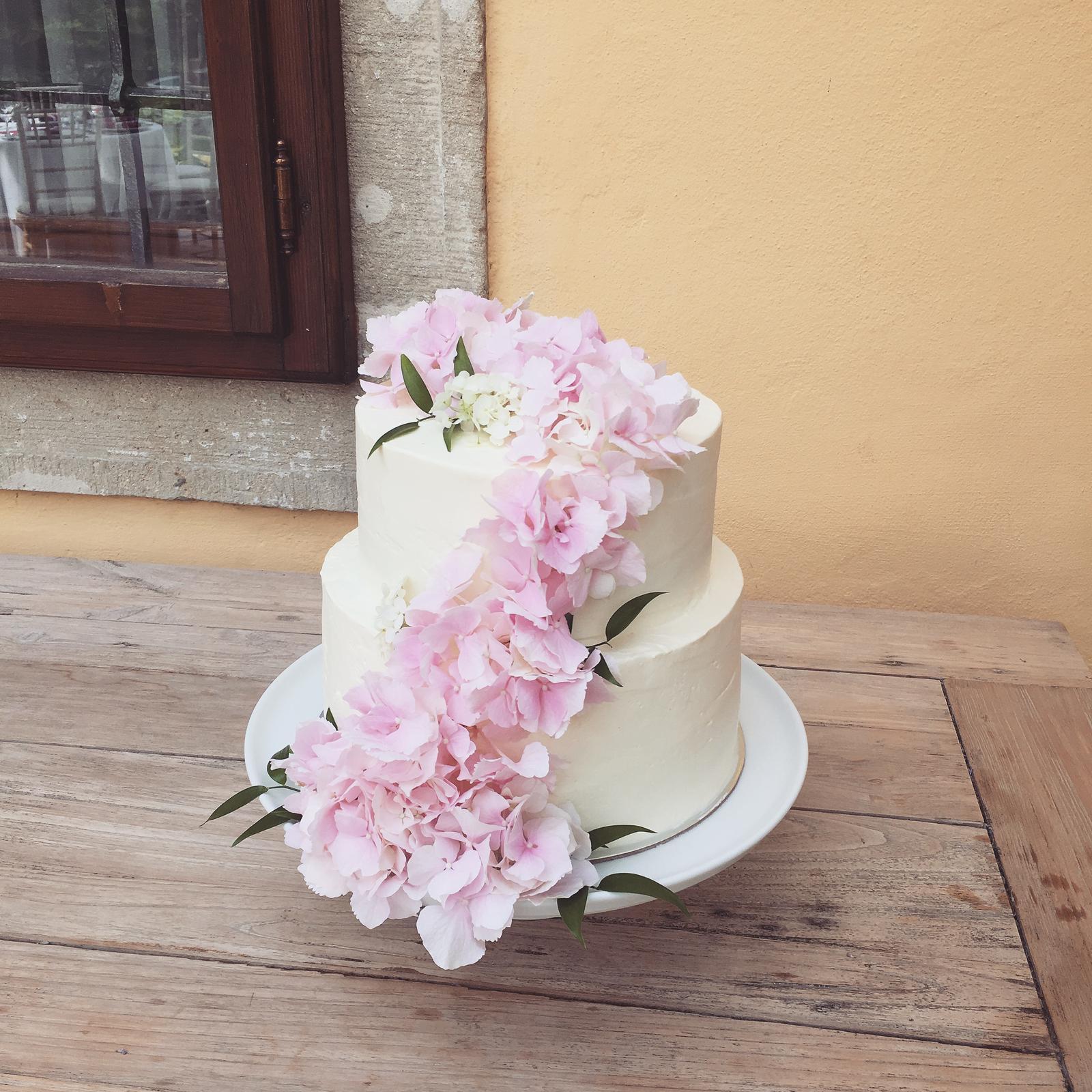 Svadobné torty - Realizácia: http://castel.sk