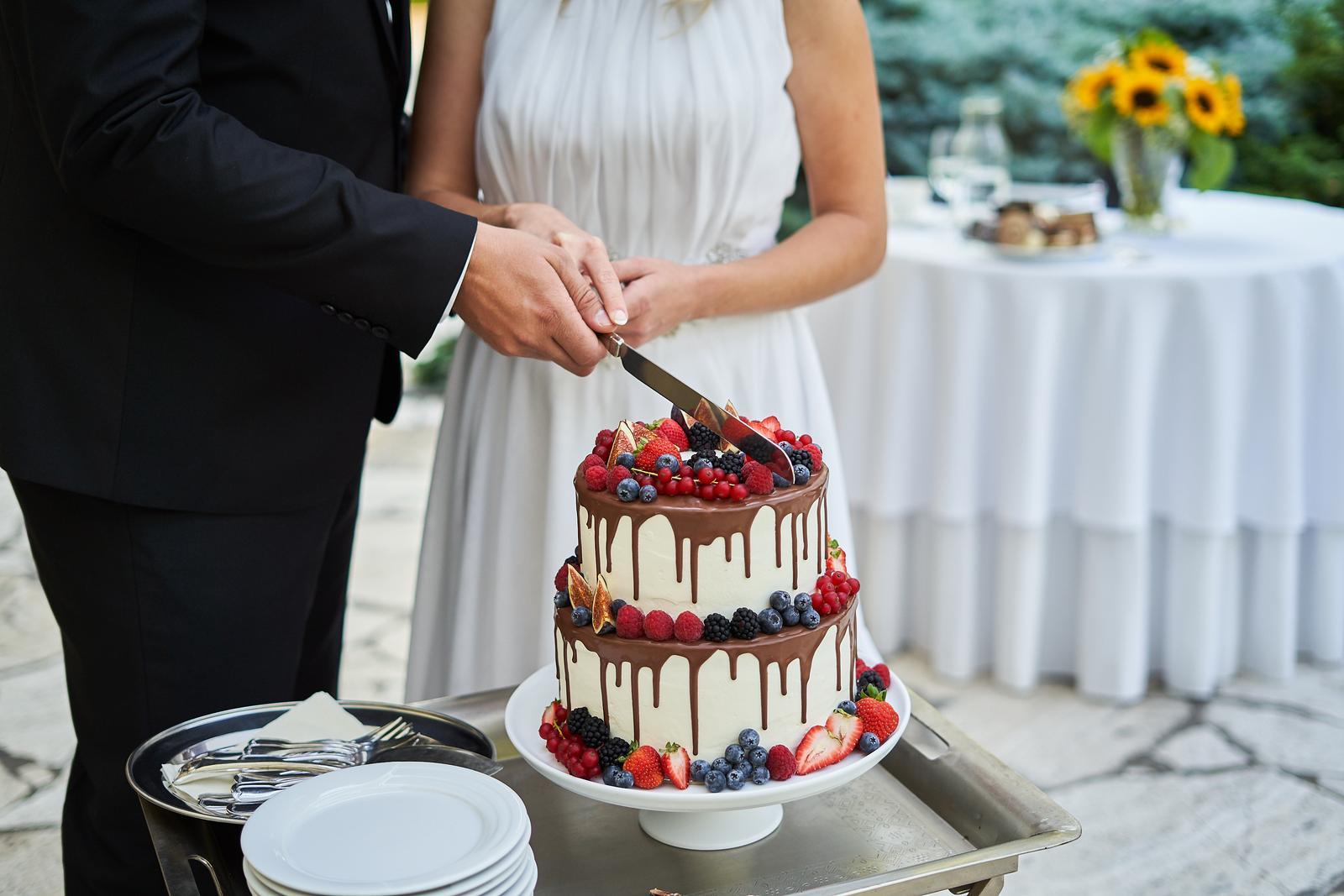 Svadobné torty - Foto: http://flashphoto.sk/. Realizácia: www.castel.sk