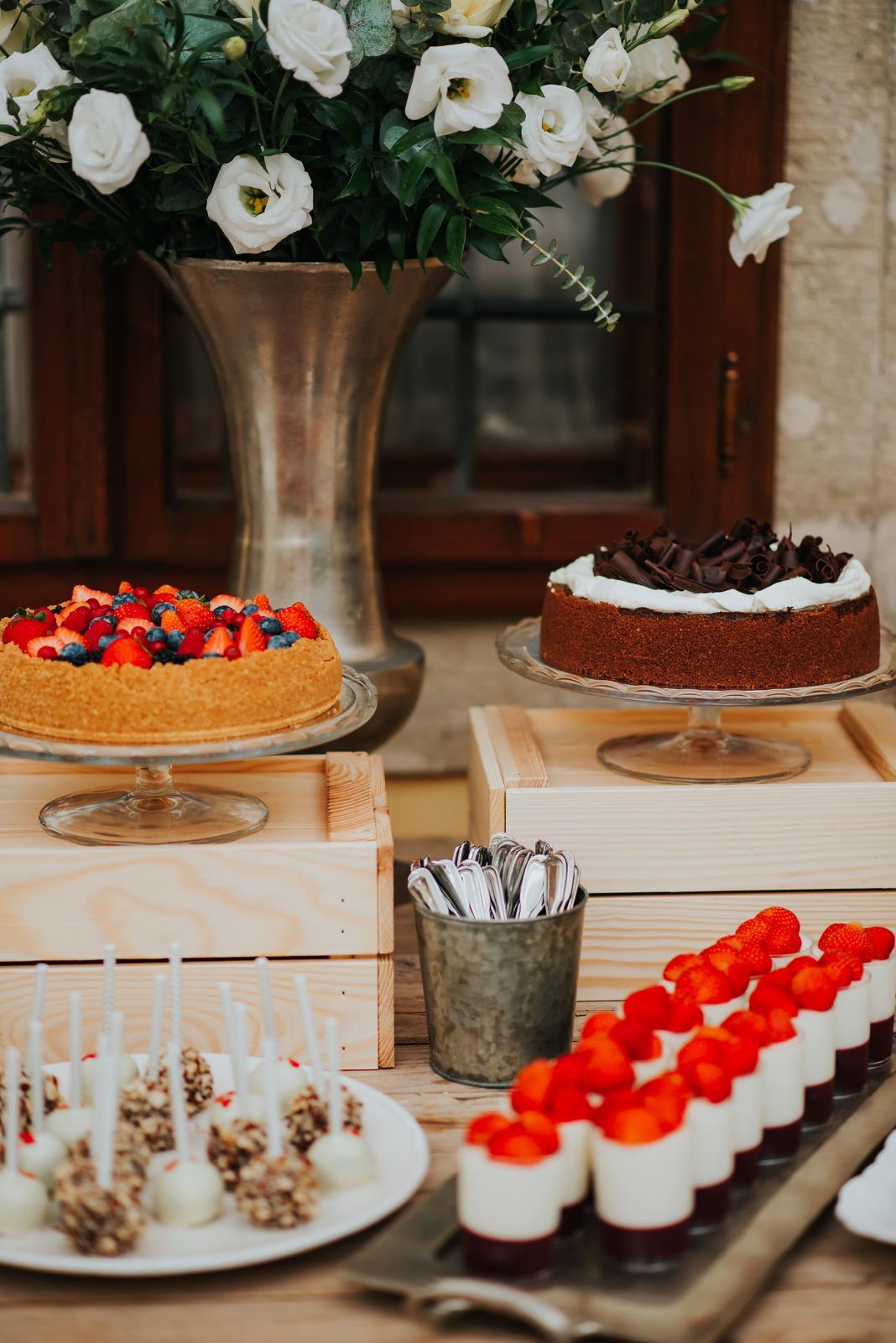 Dobroty na Candy Bar - Foto: Vladimír Vojtela. Realizácia: www.castel.sk