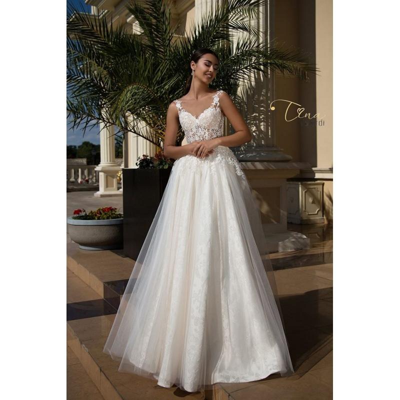 447e94350f03 Salón Eva Maria a šitie svadobných šiat - skúsenos...