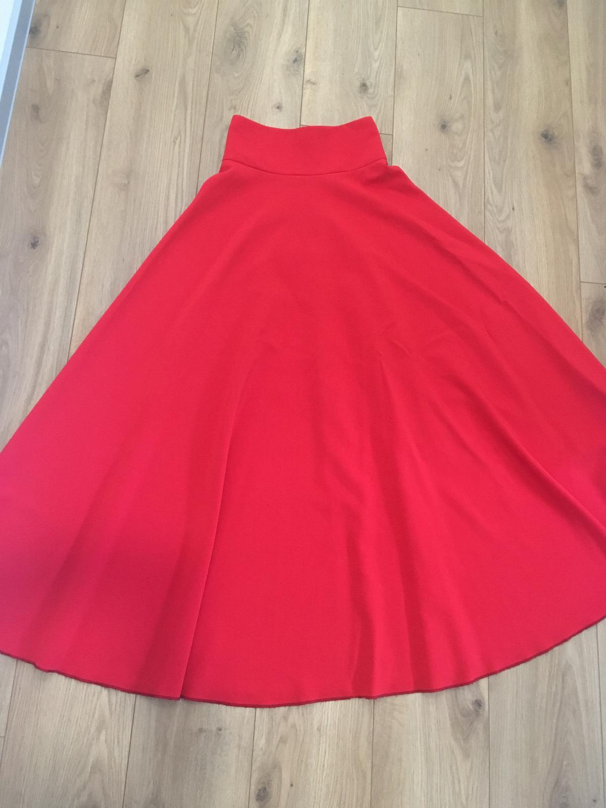 Červená sukňa - Obrázok č. 4