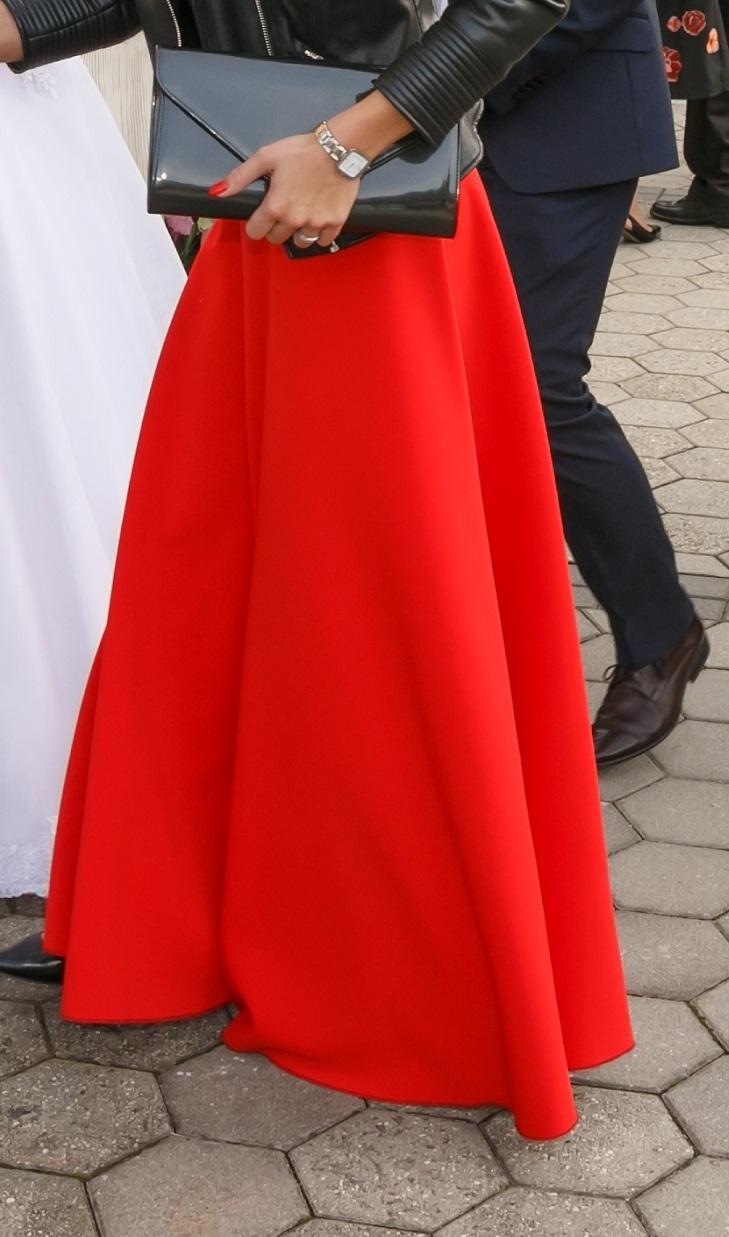 Červená sukňa - Obrázok č. 1