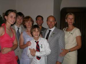 malá část z velké rodinky nevěsty