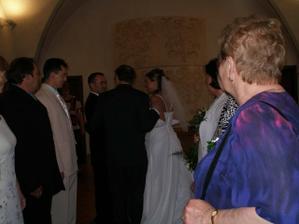 předání nevěsty do správných rukou