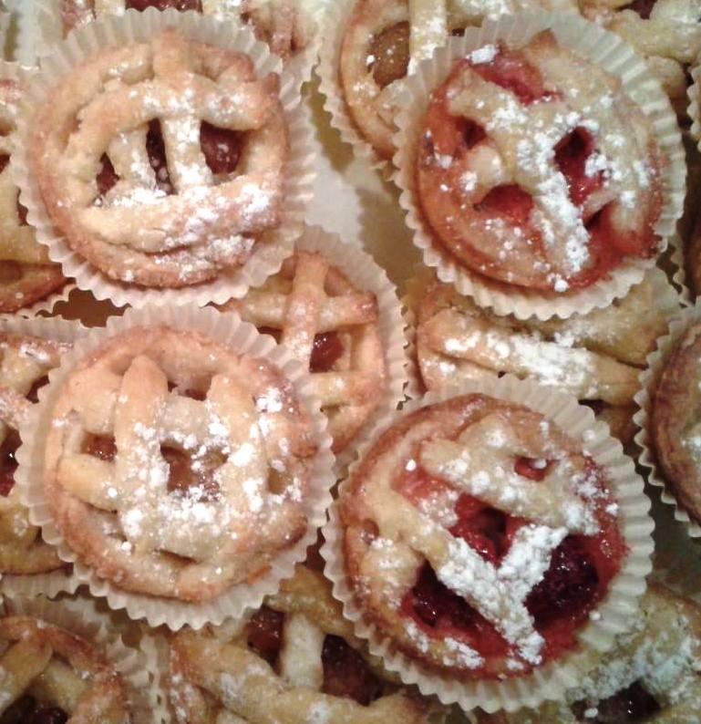 Moje hobby - Mini pie črešňové a jahodové