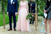 Světle růžové svatební šaty pro vílu, 34