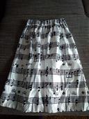 Biela sukňa s notami, 40