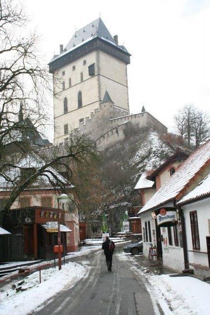 Libuše Váchalová{{_AND_}}Bertranne Burger - Do této nálady se toho rána probudil hrad.
