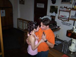 Večer jsme tančili