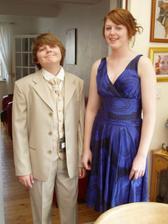 nase deti v svadobnom obleku a satach