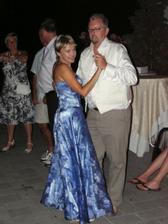 Tanec so svedkynou a naj kamoskou Beatkou