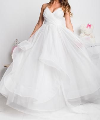 Svadobné šaty - Obrázek č. 1