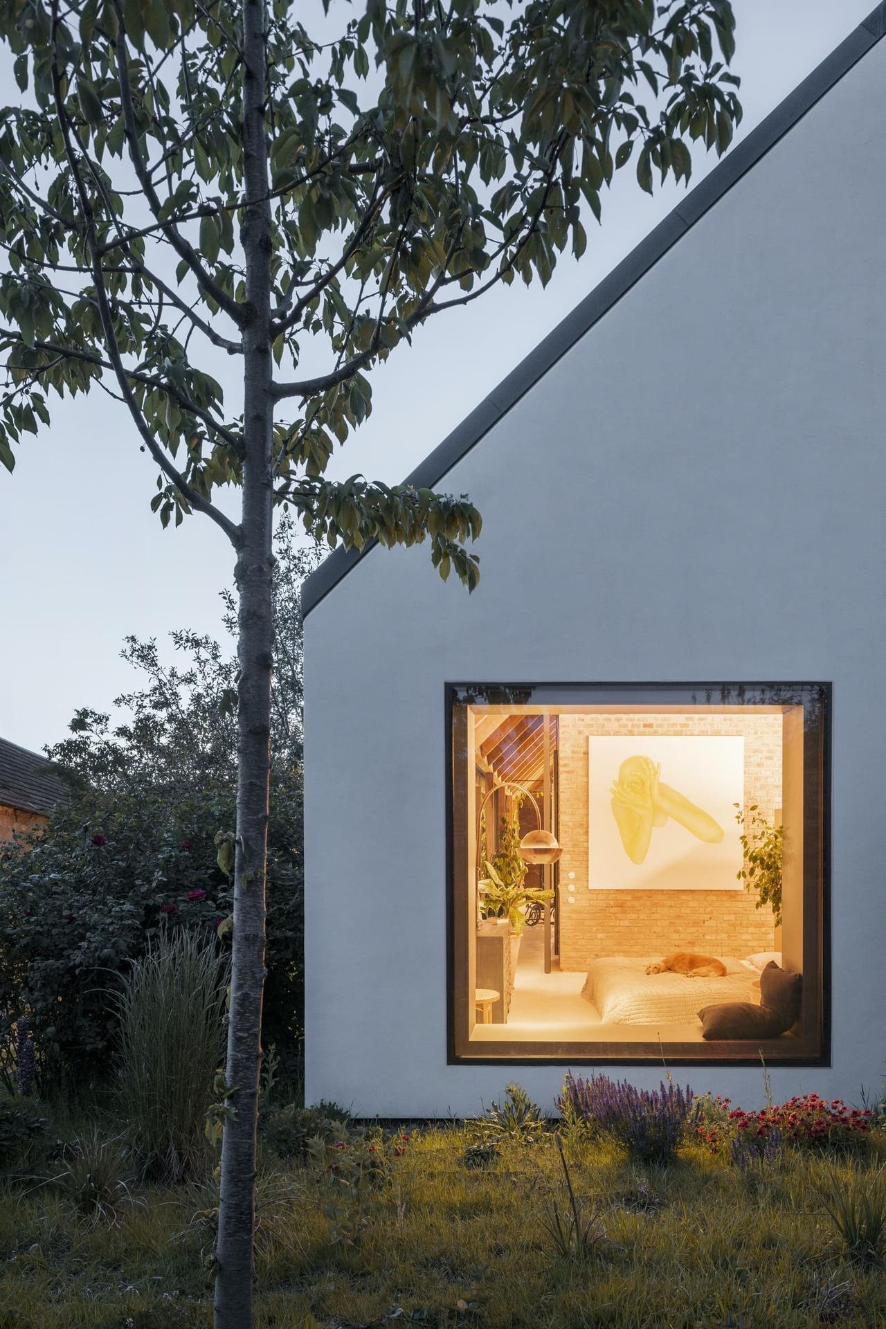 Moderní dům ze zrecyklovaného zdiva - Obrázek č. 4