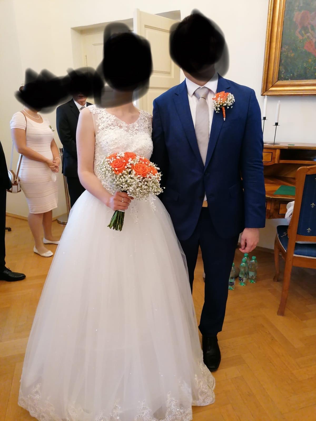 Šaty zdobené, s kruhovou spodnici a bolérkem, šaty vel. S - L - Obrázek č. 1