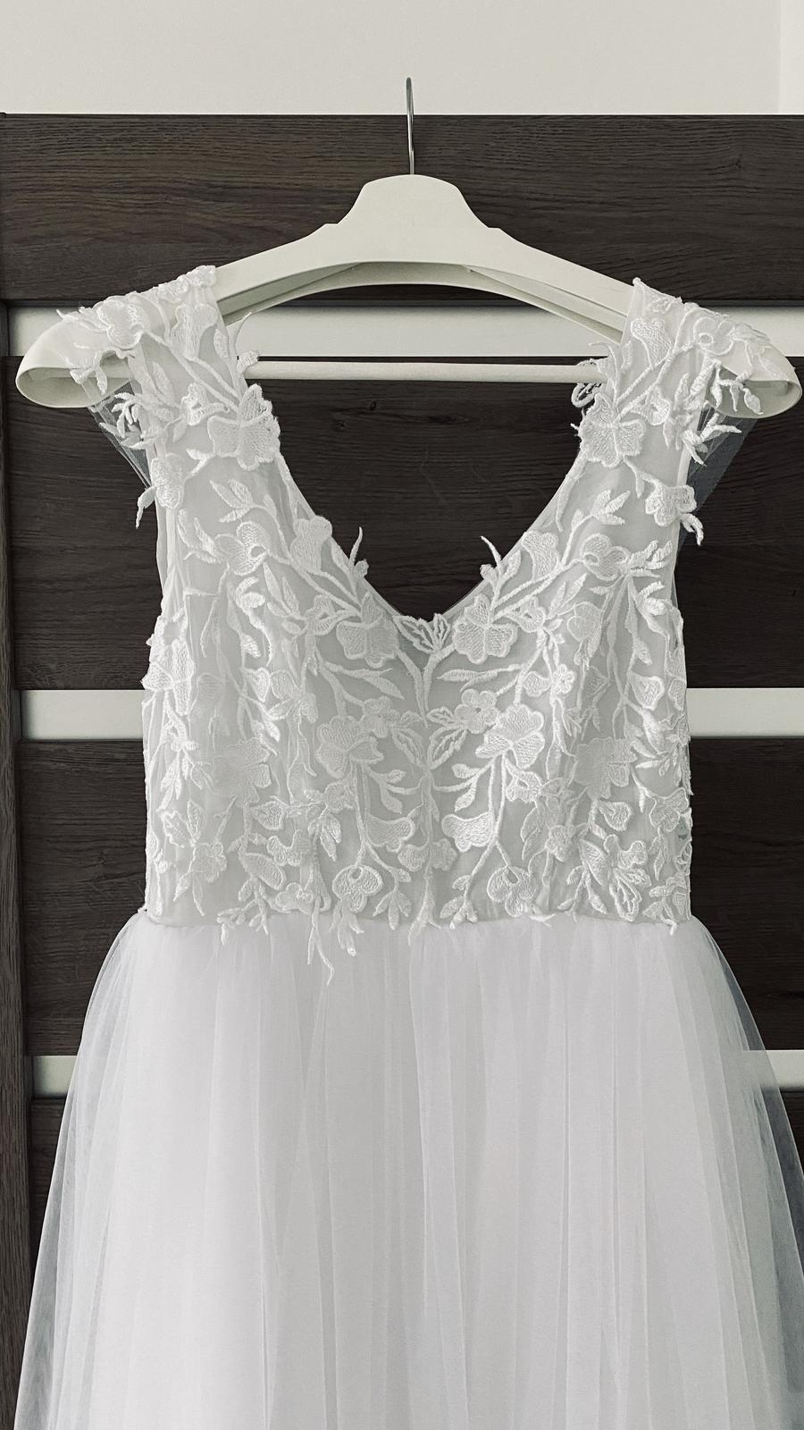Svatební šaty - Obrázek č. 4